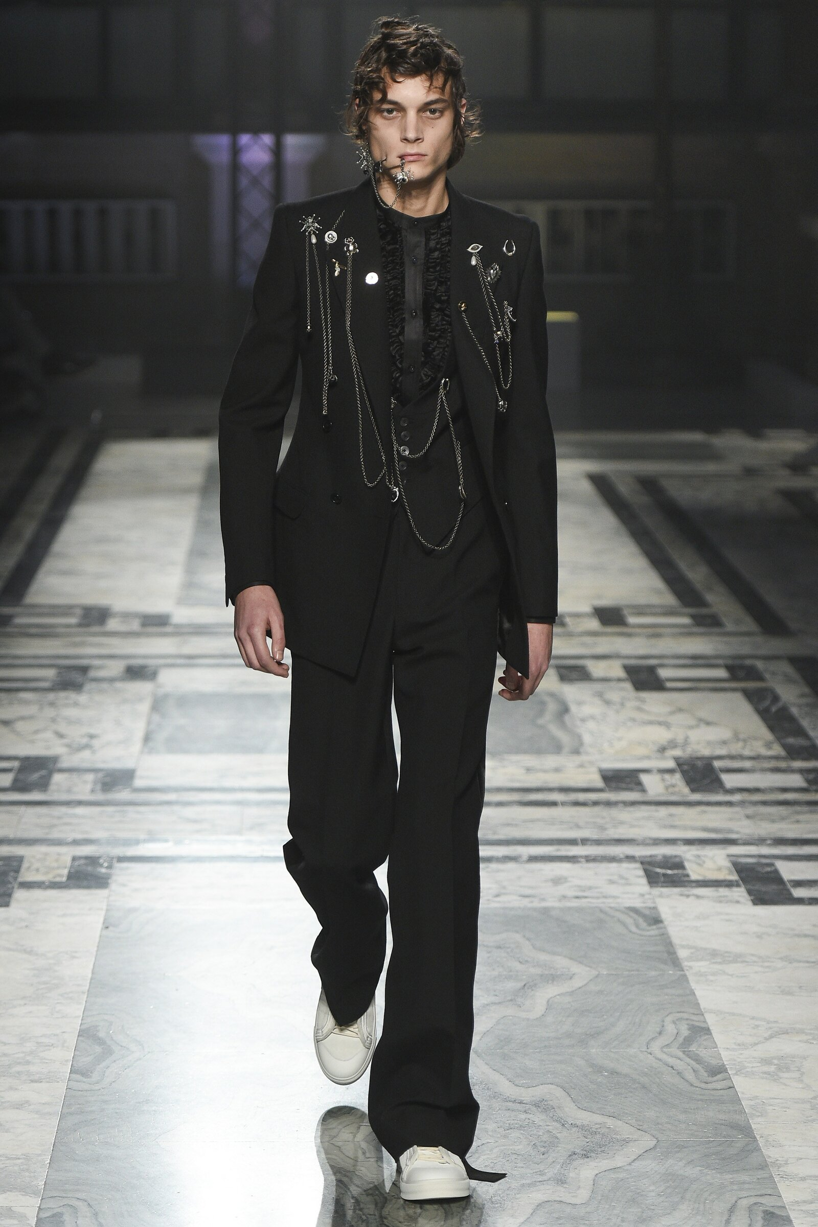 Alexander McQueen - London Collections: Men AW 2016